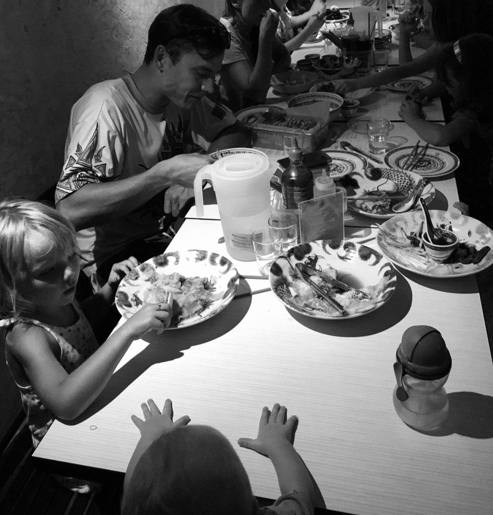 Posiłek z dziećmi w restauracji?